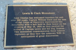Plaque accompanying statue