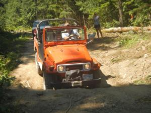 Rob's Landcruiser at Mt Cheam